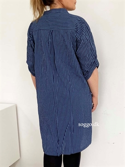 Plus Size Skjortekjole royalblue - Royal blå plus size skjorte