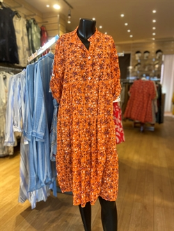 Plus size kjole i orange